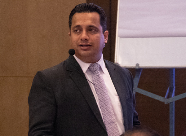 डॉ विवेक बिंद्रा से सीखे करोड़पतियों का वो फार्मूला, जो स्टॉक मार्केट में दिलाएगा आपको 100% सक्सेस