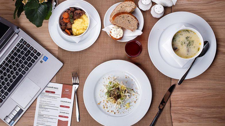 Food Business: मुनाफे से भरी है फूड इंडस्ट्री, आप भी कम पूंजी में शुरू करें ये 5 बिजनेस