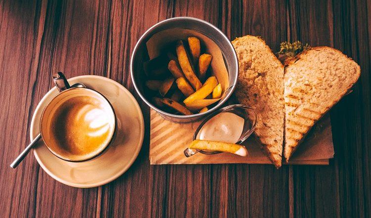 Start Snack & Coffee Stall Under 20k: Coffee और Snacks के बिज़नेस को कम पैसों में शुरू कर करें अच्छी कमाई