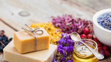 Soap Making Business: प्राकृतिक साबुन से लेकर सामान्य साबुन की है बाजार में भारी डिमांड, जानें सोप मेकिंग बिज़नेस को शुरू करने के टिप्स