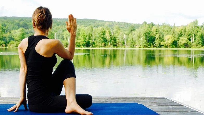 Yoga Business: योगा ट्रेनर बनकर हर महीने करें तगड़ी कमाई, ये 4 बिजनेस है बेस्ट